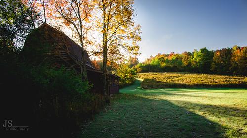 upstate upstateny upstatenewyork fall autumn catskills catskillmountians barn sunrise changingcolors otsegocounty otsegocountyny otsegocountynewyork jsphotography