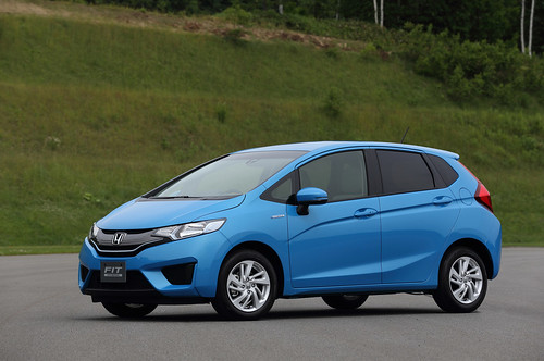 2015 Honda Fit Hybrid Japanese Model (2) - SMADEMEDIA.COM MediaGalleria Photo