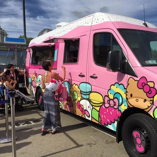 OMG! @HelloKittyCafe Truck. #Heaven