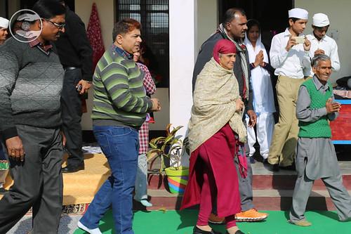 Arrival of Her Holiness at Sant Nirankari Satsang Bhawan