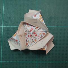 วิธีการพับลูกบอลกระดาษญี่ปุ่นแบบโคลเวอร์ (Clover Kusudama)017