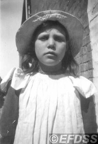 B68a PORTER, Lily (1895 - ?)