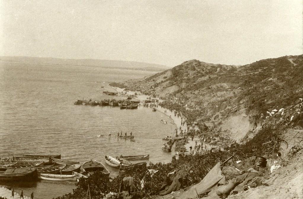 Landing troops at Gaba Tepe, Gallipoli (ANZAC Cove) 25 April 1915
