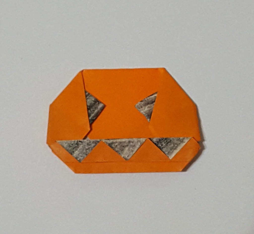 Halloween Origami - Easy Paper Folding for Kids - Red Ted Art ... | 944x1024