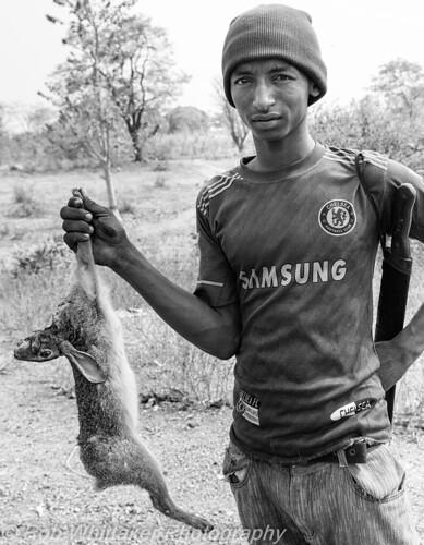 africa canon hare westafrica nigeria hunter nigerian tribesman kaduna centralafrica canonphotography africaoverland robwhittaker robwhittakerphotography