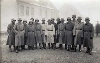 Fifteen officers from an unidentified formation circa 1917 - 18