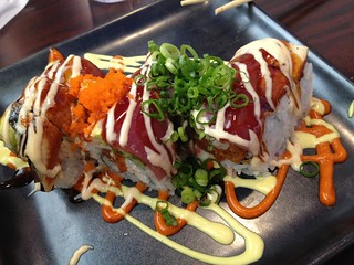 Peter Two Roll, Mikunis Roseville #sushi | by ray_explores