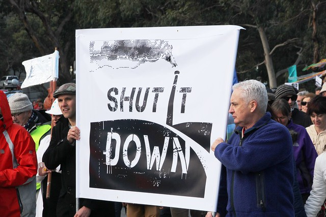 Shut it Down banner at front of march - Anglesea Coal Shut it Down Rally 10 Aug 2014-IMG_7672