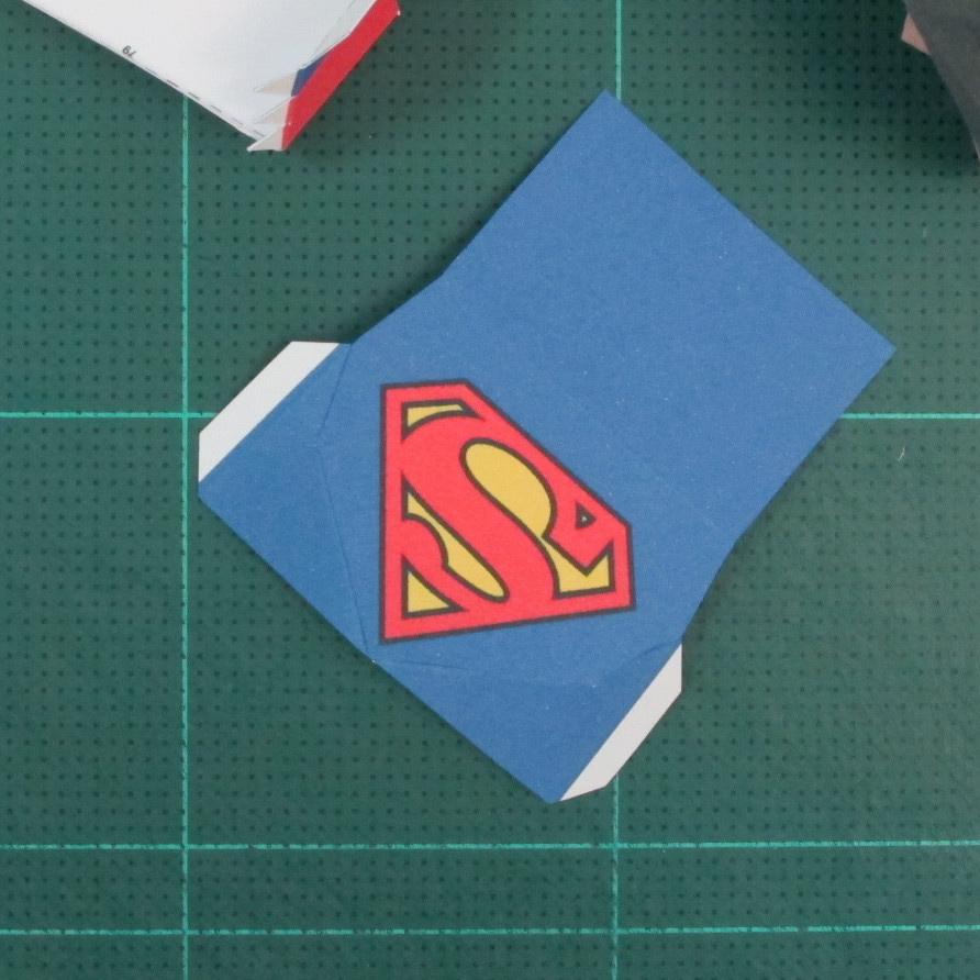 วิธีทำของเล่นโมเดลกระดาษซุปเปอร์แมน (Chibi Superman  Papercraft Model) 025