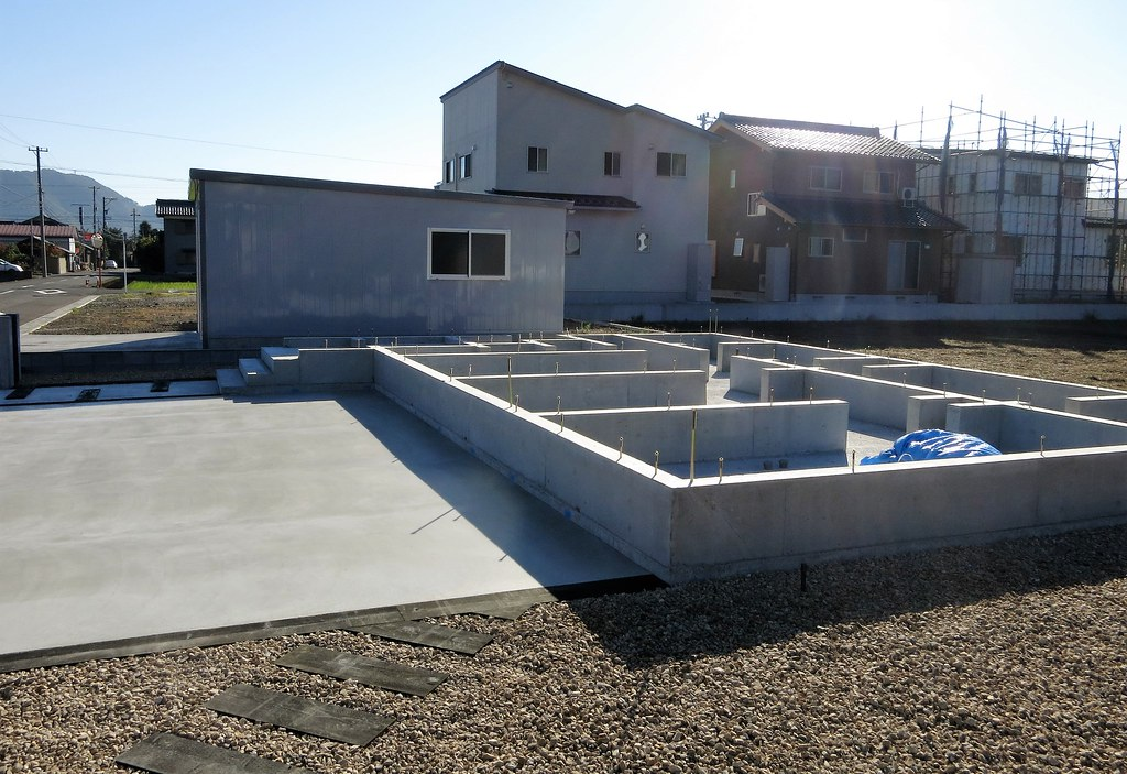 house building - foundation now in place | The bolts ...