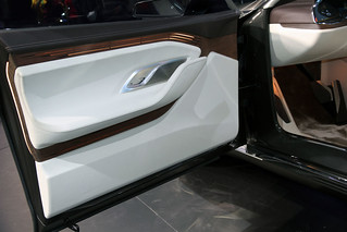 BMW-2014-VISION-FUTURE-LUXURY-12