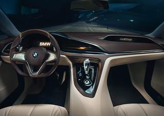 12 BMW-2014-Vision-FL-INT06