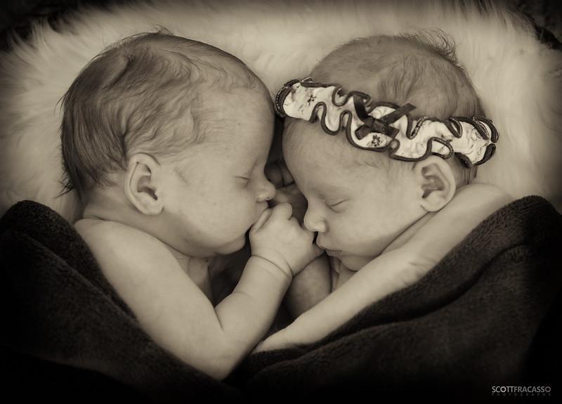 219A9831-sig Newborn twins