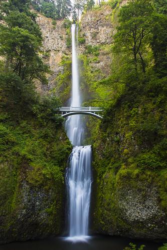longexposure bridge waterfall columbiarivergorge tieredfalls multnomagfalls