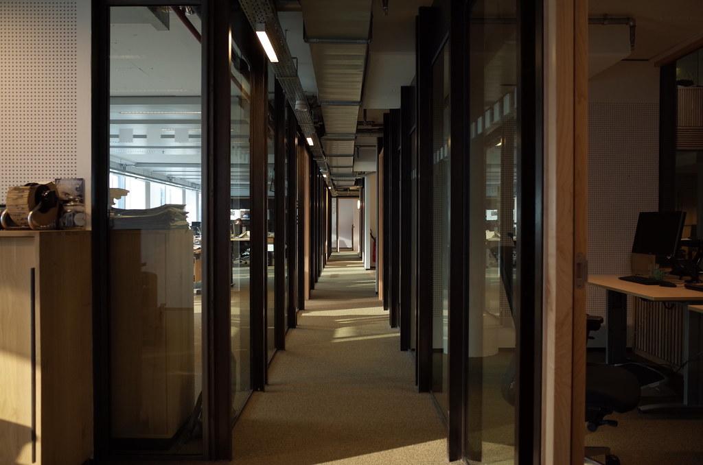 hallway perspective [Ricoh GR]