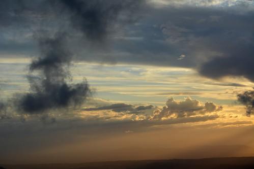sky clouds landscape haze australia bluesky queensland cloudscape sunsetclouds sunbeams lastlight lateafternoon cloudshadow loganvalley sunlightthroughclouds australianweather shadedcloud