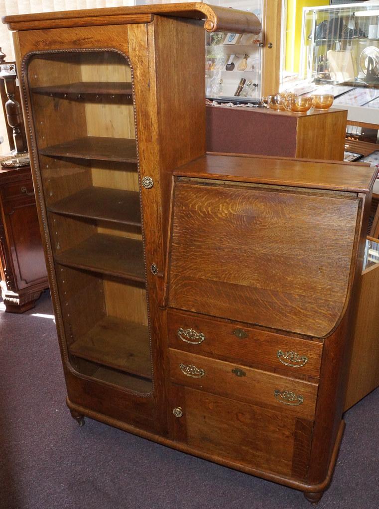 CH0072 Antique Oak Secretary DSC01371