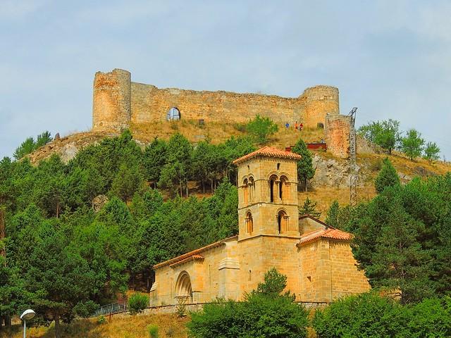 <La Ermita y el Castillo> Aguilar de Campoo (Palencia)