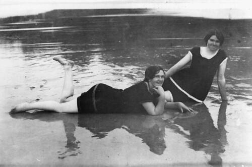 girls beach bay queensland hervey swimsuits 1918 statelibraryofqueensland slq