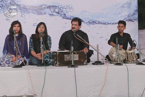 Devotional song by Vinod Kumar and Saathi