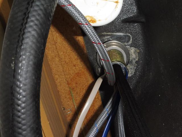 P1030335 Danze did u wave kitchen faucet installation under sink
