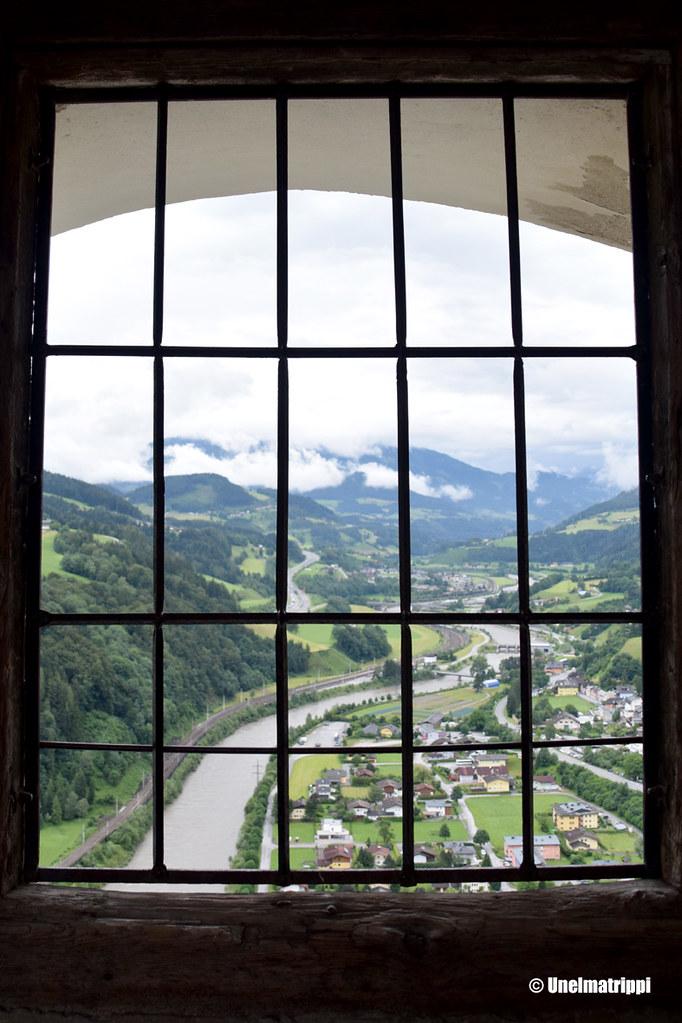 Näkymä Hohenwerfenin linnan ikkunasta