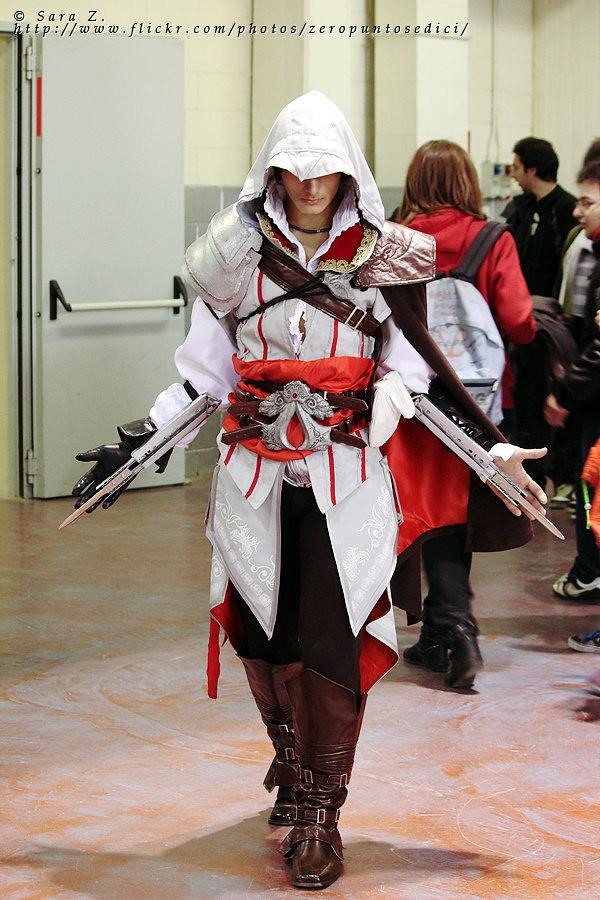 Assassins Creed Ezio Auditore Cosplay Veronica Sanchez