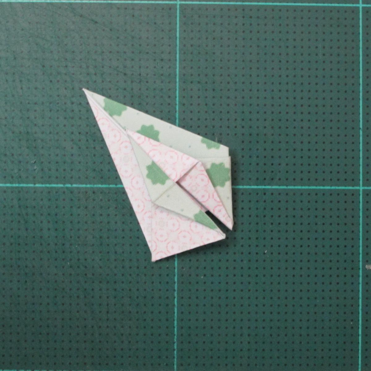 การพับกระดาษเป็นสัญลักษณ์ดาวแปดแฉกคู่ (Double Eight-Pointed Stars Origami) 009
