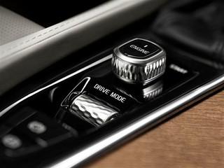 Volvo-XC90-Details-2014-x-2015-40