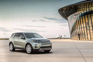 Land-Rover-Discovery-Sport-2014-31