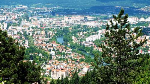 city outdoor landscape river