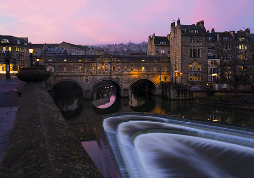 photographybyjuliamartin pulteneybridge bath sunset pinksky december nearlychristmas longexposure explore9 canon5dmarkiv twilight todaysexplore