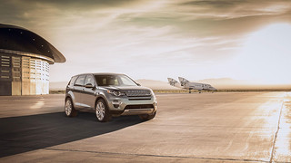 Land-Rover-Discovery-Sport-2014-26