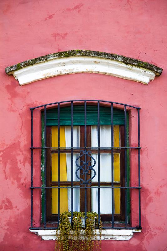 Velha casa gaúcha rosa
