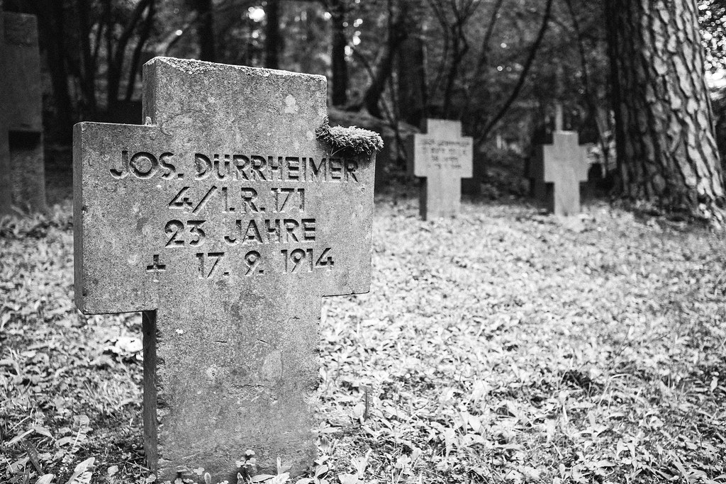 WW1 grave at Aachen forest cemetery  | Shot with a 40 years
