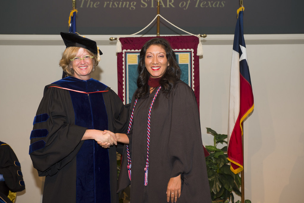 Dsc 9650 August 2014 Hooding Ceremony Individual Photos Texas State College Of Applied Arts Flickr
