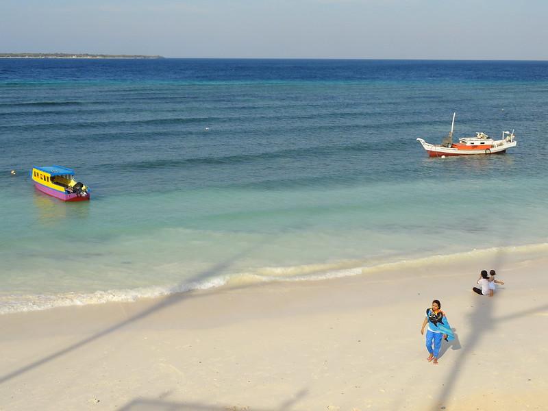Girls in Bira Beach, Sulawesi