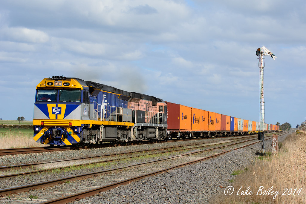 CF4411-CF4412 with the final Wednesday 4MC1 freight at Wallan by Luke's Rail Gallery