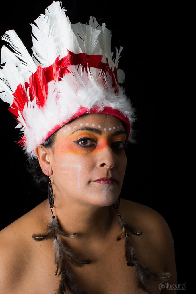 Os Caingangues tem uma população de 34 mil índios, estão localizados na região Sudeste e Sul do País!   #hardphotography #mulheresdepindorama #portrait #portraitfestival #makeup #indian #native #brazilianindian #culture #brazilianculture #authorial #photo