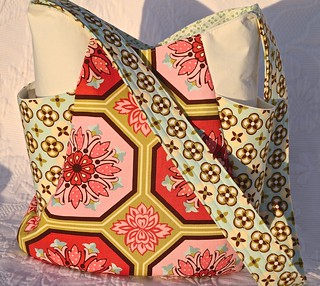 Noodlehead 241 Tote in Ginger Blossom Fabrics