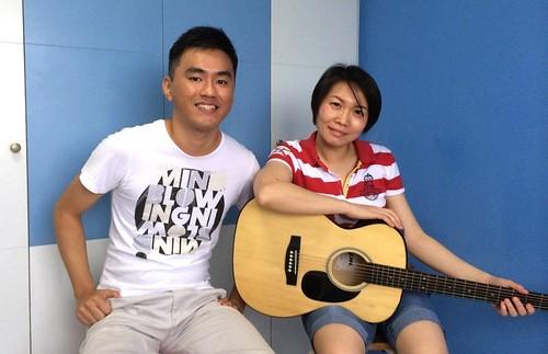 Private guitar lessons Singapore Valerie