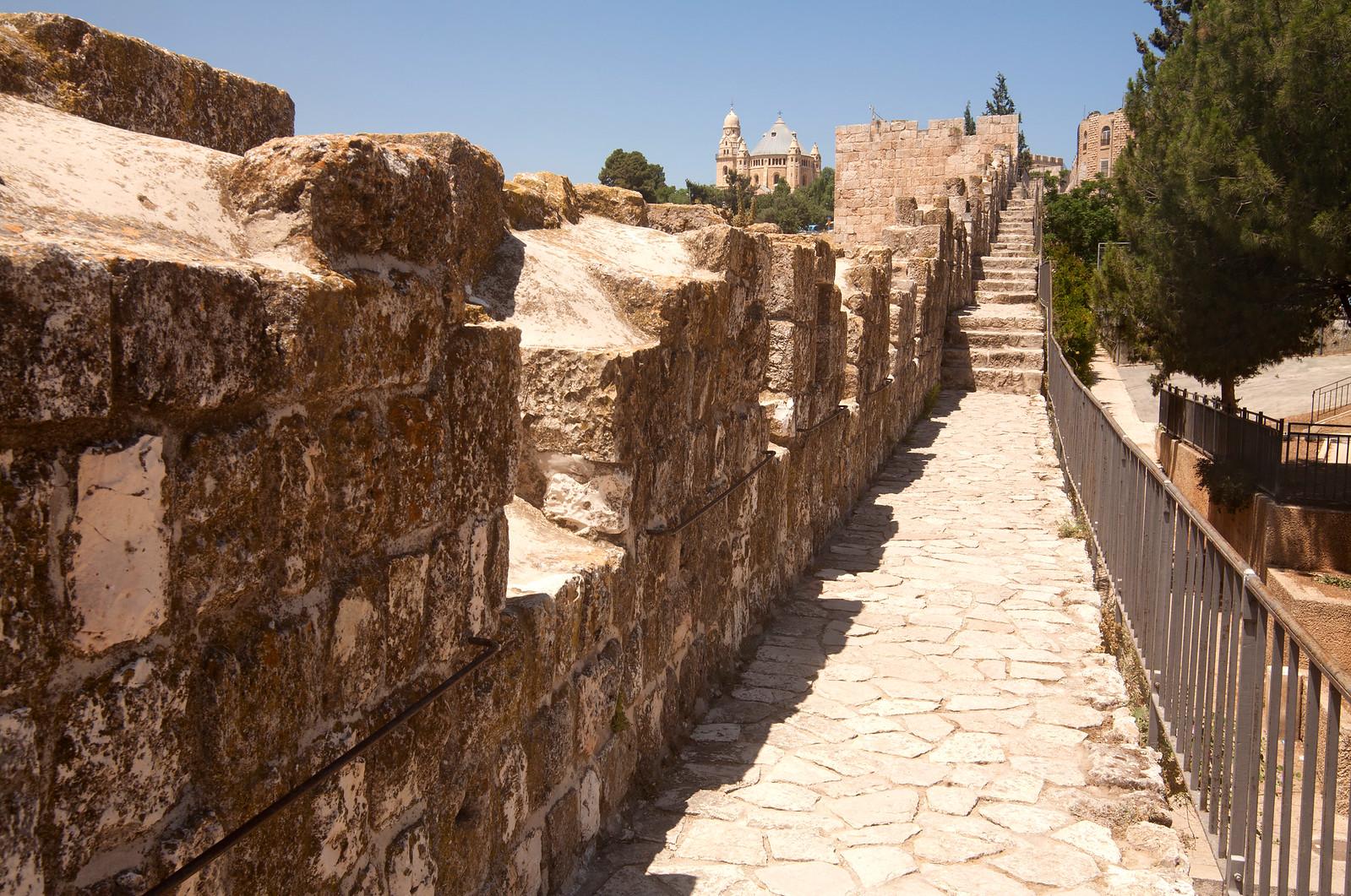 Jerusalem_OLd City walls ramparts_Noam Chen_IMOT