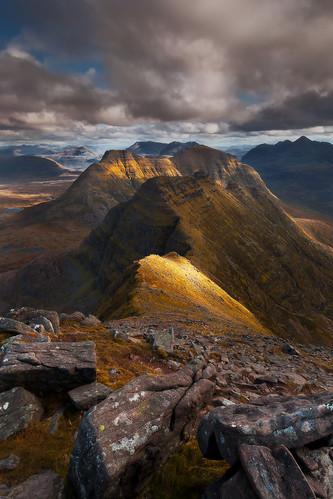 mountain landscape photography scotland hiking alpine torridon munro everlook beinnalligin beinndeargh