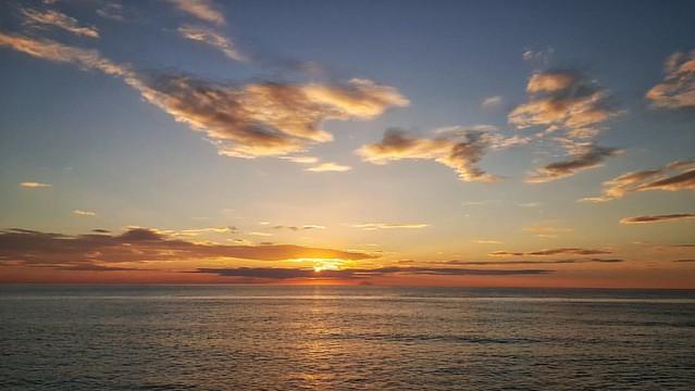 #Spettacolo per #occhi ed #anima... #calabria #falerna #cartolina #tramonto #calabriadaamare #ilovecalabria #direzionecalabria #volgocalabria #igercalabria #vivocalabria #calabriart #amalatuaterra #foto_briganti #sunsetcalabria #nofilters #colori #picofth