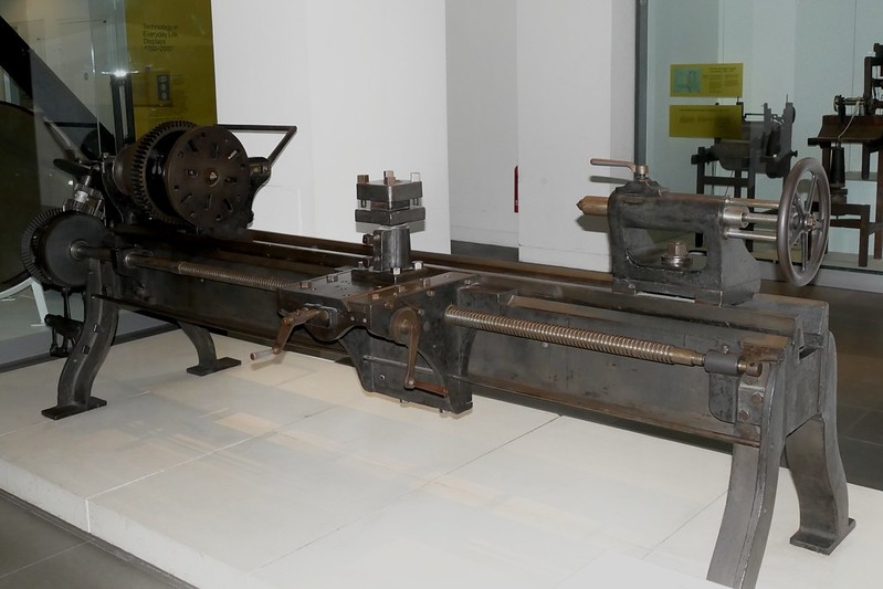 Old Centre lathe in Lond Science Museum