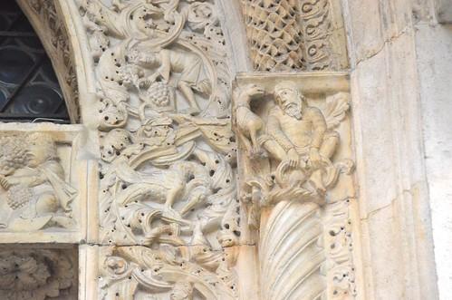 Modène (Emilie-Romagne), la cathédrale - Sculpture romane : porte principale (façade occidentale) - 27 | by roger joseph
