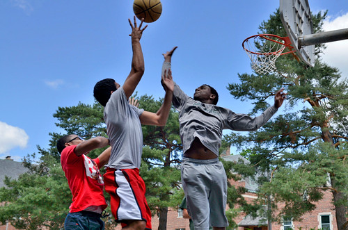 New Spartans play basketball on the court between Snyder-Phillips and Mason-Abbott Halls. (Photo/D.L. Turner)