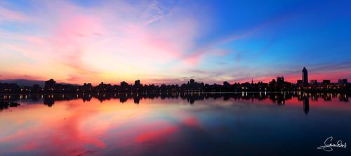 忠孝碼頭 日出 台灣 台北 taiwan taipei sunrise canon eos5d2 ef1740 panorama clouds sky cityscape