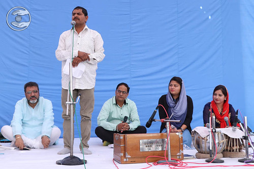Poem by Ravinder Gujral from Dehradun
