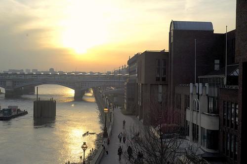 sunset sun colour london water river painting millenniumbridge colourful thamesriver wobblybridge bankside blackfriarsbridge